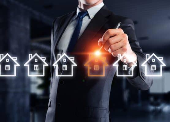 Concepto de bienes raíces. Técnica mixta