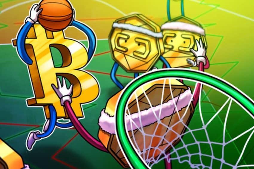 Moneda Bitcoin haciendo un mate en una canasta