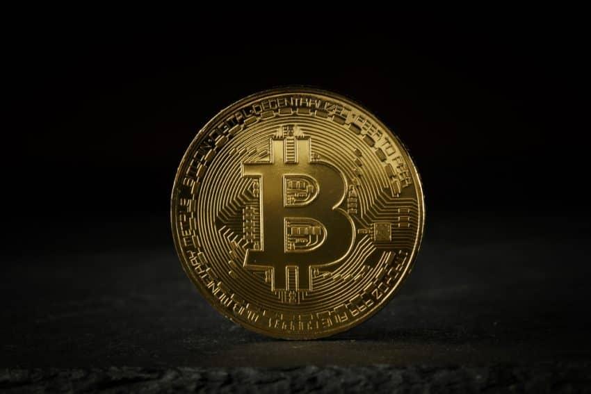 Bitcoin se mantiene estable por debajo de $ 40000